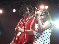 White_stripes_broo2007_small
